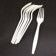 Galli Green Cornstarch Natural Dinner Fork -- 1000 per case.