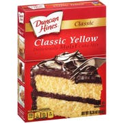 Duncan Hines Classic Yellow Cake Mix, 15.25 Ounce -- 12 per case.