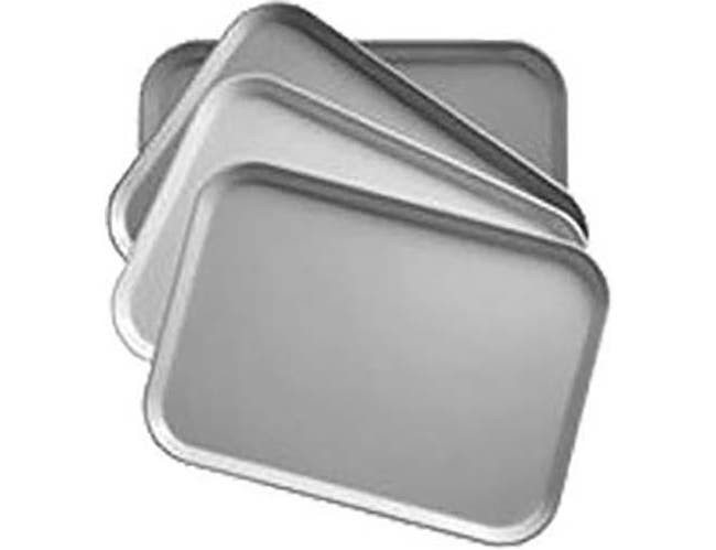 Cambro Galaxy Antique Parchment Gold Rectangular Camtray, 8 7/8 x 25 9/16 inch -- 12 per case.