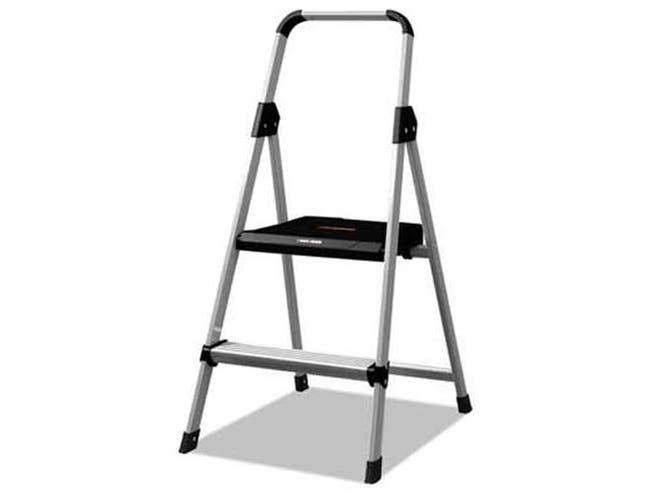 Louisville Aluminum Step Stool Ladder, 250lb cap, 18 1/2w x 23 1/2 spread x 38 1/2h